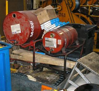 Unreliaible lubricant storage : Lubristation or Oil Safe Bulk Storage System needed.