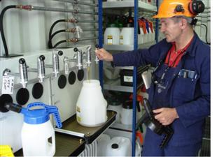 Lubristation LCU lubricant storage and conditioning, dispensing in Oil Safe oil can